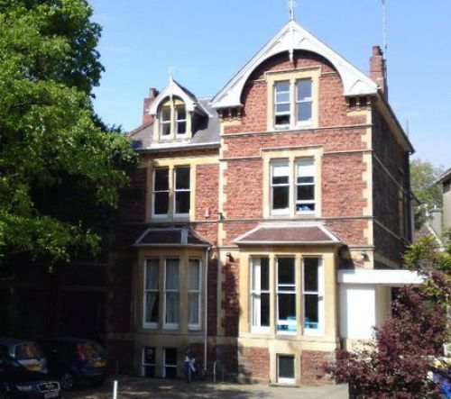 International House Bristol<br>Scuola
