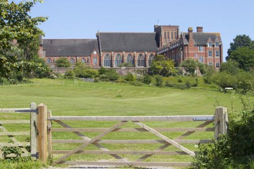 Ardingly Boarding School<br>Il College
