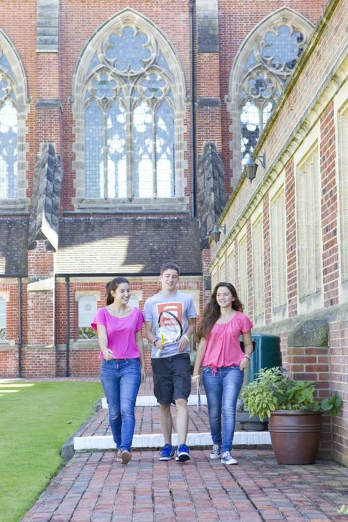Ardingly Boarding School<br>Studenti
