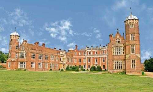 Cobham Hall Boarding School<br>College