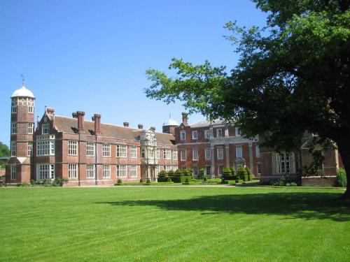 Cobham Hall Boarding School<br>College Cobham Hall