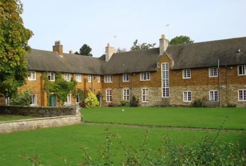Uppingham Boarding School<br>College