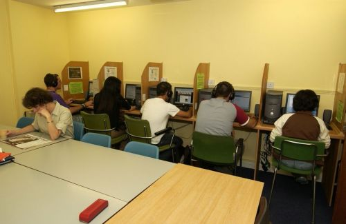 Cork English College<br>Aula computer