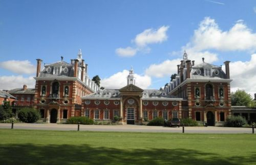Wellington Boarding School<br>Il College